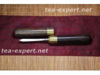 平面的普洱茶刀(檀香树和不锈钢) Pingmian De Puer Cha Dao Нож для пуэра с рукоятью из сандала